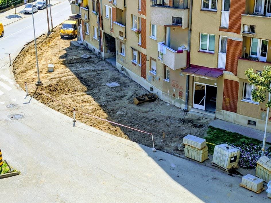 """FINIŠ radova u """"Đuri"""", popločavanje se nastavlja desnom stranom Čede Vasovića 3"""